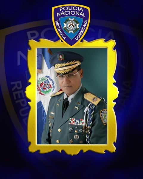 17-08-2005 al 17-08-2007 - Teniente General, Lic. Bernardo Santana Páez, P.N.