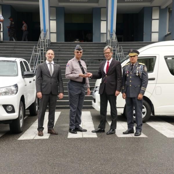 Camioneta-minibus